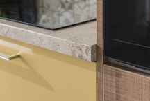 Kuchyňa CORA + ZORA šedý kameň/UNI metalic gold