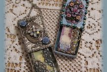 Altered Dominoes / Small books, necklaces and all things funky