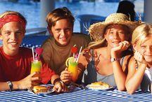 #Vacances en famille / Voici une collection de moments en famille à bord de nos navires, ainsi que les activités dédiées à la famille ou spécifiques aux enfants.