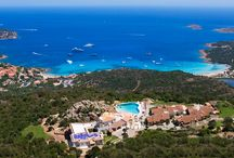 Villa Armony - Porto Cervo - Holiday Estate / Villa Armony can be found on a hill between Cala di Volpe and Pevero Bay, very close to Porto Cervo, offering a wonderful panorama and spread over 3,000 m2 divided into 19 well-furnished and subtly decorated suites.
