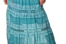 Röcke online / Top angezogen mit modische Röcken