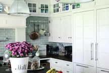 Kitchen / by Jaime Eggleston