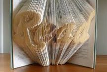Sculpture sur livres