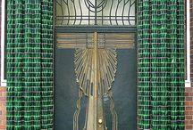 Art Decó Metropolitan / Motivi geometrici e linee curvilinee che danno personalità!