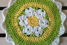 Crochet / by Janet Issa