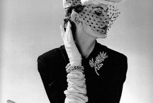 Женщины в шляпах - Women and hats