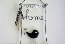 Wire home bird sign / Wire