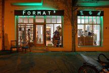 FORMAT³ - Möbel nach Maß / Raumdesign / Der Architekt (B.Sc.) Jens Mayer und Geschäftsführer von FORMAT³ designt individuelle Möbel zu fairen Preisen für Wohn- und Ladenflächen. Der Kunde erfährt eine bis in das kleinste Detail geplante Dienstleistung. FORMAT³ bietet ein Aufmaß der Räume vor Ort, eine virtuelle Voransicht in 3D und übernimmt die Anlieferung und Aufstellung der Möbel. Jedes Einzelstück wird in umweltverträglicher Handarbeit in Zusammenarbeit mit ausgewählten Werkstätten hergestellt.
