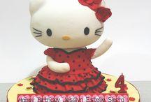 helo kitty cakes