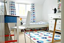 Home: Bedroom Inspirations / Creative ideas and bedroom makeovers. Furniture, wallpaper, curtains, soft furnishings, carpets, fugs, beds, bedside tables, trunks, chest of drawers.