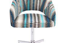 Cadeira / Poltrona   Toque a Campainha / Os elementos chaves na decoração. Escolha a sua: http://goo.gl/8572Dx.