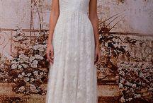 Wedding Dresses / by Stephanie Mai