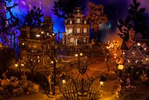 Disney Halloween village / I'm hoping to collect this village ... so cute! / by Heather Bates (Strike)