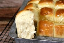 Homemade Dinner Rolls / by Robin Sawyers