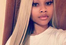 Simone blonde