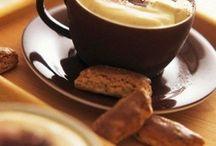 Cappuccino, café, cafeína para ficar de pé!