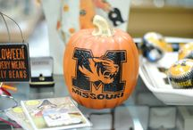 Mizzou Merch! M-I-Z! / Downtown JCMO has everything you need to show your tiger pride -- whether you are picking an outfit for gameday, hosting a watch party, decorating your home, or giving a gift to your favorite Tiger fan -- Downtown JCMO will provide you with wonderfully unique and beautiful options!