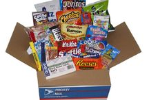 College Care Package Ideas / College students and care packages go together like, well, chocolate and peanut butter. I don't know of any student that isn't THRILLED to get a care package from home, especially full of fresh-baked goodies. Here are some of our favorites.