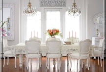 Sala de jantar / by Rosemery Fernandes