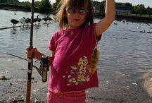 Pêche / Vous trouverez une région vallonnée, sillonnée par de nombreux petits ruisseaux classés en première catégorie piscicole.  Les pêcheurs de carnassiers et poissons blancs pourront s'exercer à leur guise sur le Loir ou les nombreux plans d'eau équipés du secteur et passer un agréable moment en famille ou entre amis.