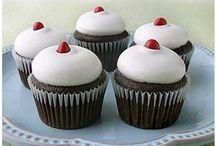 Cupcakes / by Christy Sorensen