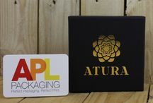 Printed Gift & Jewellery Boxes / Printed gift & jewellery boxes are ideal for small businesses / crafters and independent retailers. They look amazing printed with dazzling metallic foils.  Have your logo printed on the top of the box lid for a classy and customised look.  With our free and easy to use tool myDesigner you can design your boxes online - see your brand and design come to life before your very eyes! https://www.aplpackaging.co.uk/gift-boxes/printed-gift-boxes.html