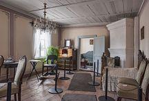 Keski-suomen museo käsityöläislodit / Keski-Suomen museon käsityöläiskodit, Kuparisepän talo ja Puusepän talo, ovat vanhimpia edelleen pystyssä olevia jyväskyläläistaloja. Ne ovat harvinaisia esimerkkejä vuonna 1837 perustetun Jyväskylän vanhasta rakennustavasta. Käsityöläiskodeissa pääsee tutustumaan 1800-luvun jyväskyläläisten käsityöläisten elämään.