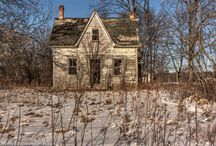 Remnants of the Past / Exploring abandoned properties in Ontario