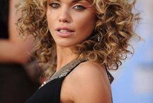 Wavie curly hairstyle
