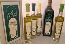 Prodotti tipici pugliesi / Prodotti tipici pugliesi: olio extravergine di oliva, taralli, patè, olive da tavola e sott'oli