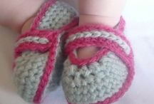 Crochet booties and slippers / by Irene Vendrami