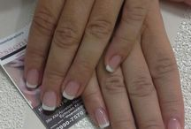 essential nails / Salon nails
