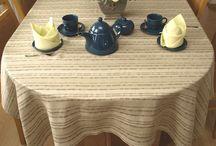 Obrusy lniane / Obrusy na stoły o rożnych kształtach: owalne, okrągłe, prostokątne i kwadratowe. Obrusy z lnu i bawełny a także tkanin mieszankowych. Eleganckie na przyjęcia oraz codzienne do domu i ogrodu.