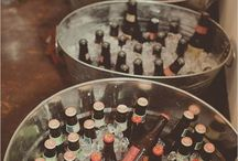 stół z alkoholami