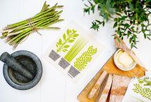 designfabrix ✳︎ vaatdoek / Zweden - Malin Westberg  Groot-Brittannië / Zweden - Jangneus ⏦ Voeg kleur en vorm toe in je keuken met deze vrolijke vaatdoeken. Sinds 1950 een must-have voor in je keuken. Duurzaam: gemaakt van cellulose. Functioneel & praktisch: neemt 15 x eigen gewicht op in water.