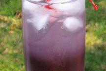 Drinks / by Wendy Gietzen