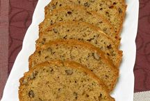 zucchini bread / This zucchini bread was a hit, even with my husband & daughter who are super picky!!!
