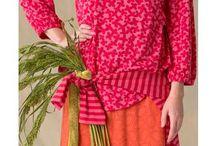 20 % auf Kleider und Tuniken* / Muster in allen Farben, Formen und Kombinationen. Mit Gudruns einzigartigen Kreationen lässt sich mühelos ein individuelles Outfit zusammenstellen, das Eure Persönlichkeit unterstreicht. Lasst euch von von dieser Pinnwand inspirieren und kombiniert innerhalb Euer Farbpalette munter drauf los. Vielleicht entsteht so ja eine neue, unerwartete Lieblingskreation?   * gültig bis 01. Mai 2017