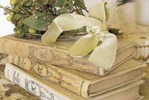Könyv virággal