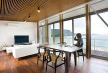 施工例5 l ソラマド香川 / 香川県内で建てたソラマドの家の写真です。 お洒落で、わくわくして、人とは違った家を建てたい、もちろんローコストで…。 私たちは、そんな住宅をたくさん実現してきました。 お客様のお好みのテイストはもちろん、ライフスタイルに合わせた、快適で心地良いオンリーワンの住まいをご覧ください。 <Works5> 香川県高松市 家族構成:夫婦 延床面積:157.33㎡