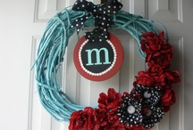 Cute wreath ideas.... / by Cierra Harden