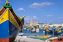 Malta / Pierwszą tablicę dedykujemy Malcie - wyspie / państwu, do którego serdecznie zapraszamy na nasze kursy językowe. Mamy nadzieję, że widoki są wizytówką samą w sobie, bo Malta to jedno z tych miejsc na Ziemi, które trzeba (!) zobaczyć na własne oczy...