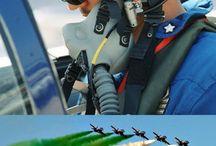 Flugzeug / Freche Tricolori