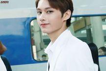 文俊辉 / my handsome boy, a person having qualities generally attributed to an angel, as beauty, purity, or kindliness, can say everything in few words.