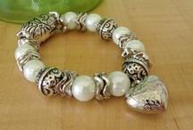 Jewelry Bracelets - white cream silver crystal