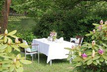 Dinner am See / Wir rücken einen Tisch noch ein Stück näher an einen unserer über 40 See...für Verliebte, für einen Heiratsantrag, zum Kennenlernen, für ein Jubiläum, zur Verlobung…oder einfach nur der Liebe wegen.