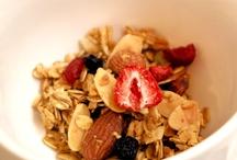 Berry & berry Granola / 美容や健康に!ブルーベリー、クランベリー、ストロベリーの3種類のベーリーが入った甘酸っぱい味わいが人気!ベリー&ベリーグラノーラ:350g/950円