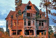 Old Beautiful Abandoned Homes / by Donna Copeland