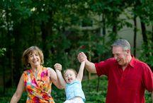 . : Avec leurs grands parents : .