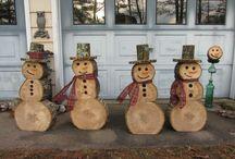 Pupazzi di neve in legno